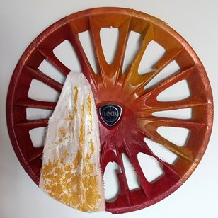 recycled art hubcaps